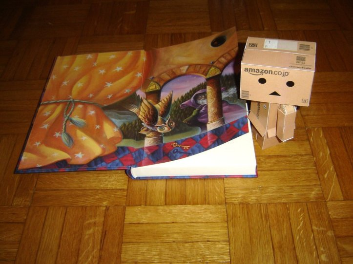 danbo_loves_harry_potter_by_belindacarlislefan-d389afc